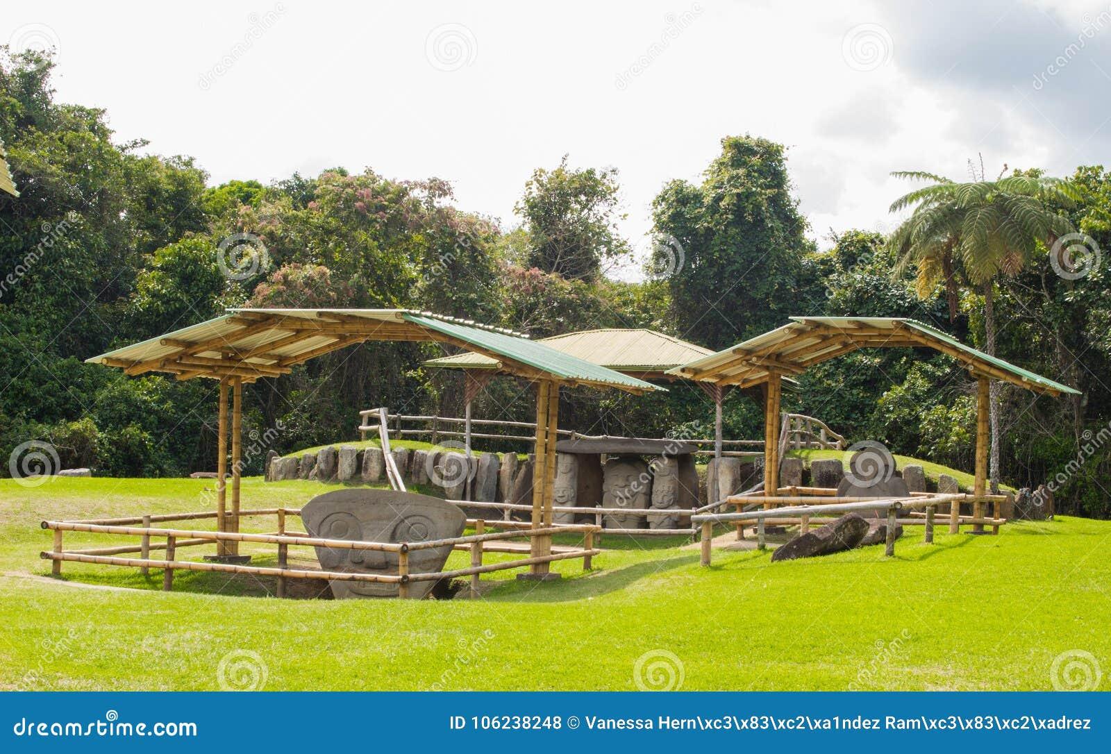 Het ontzagwekkende park van San Agustin Archeological, Huilla, Colombia