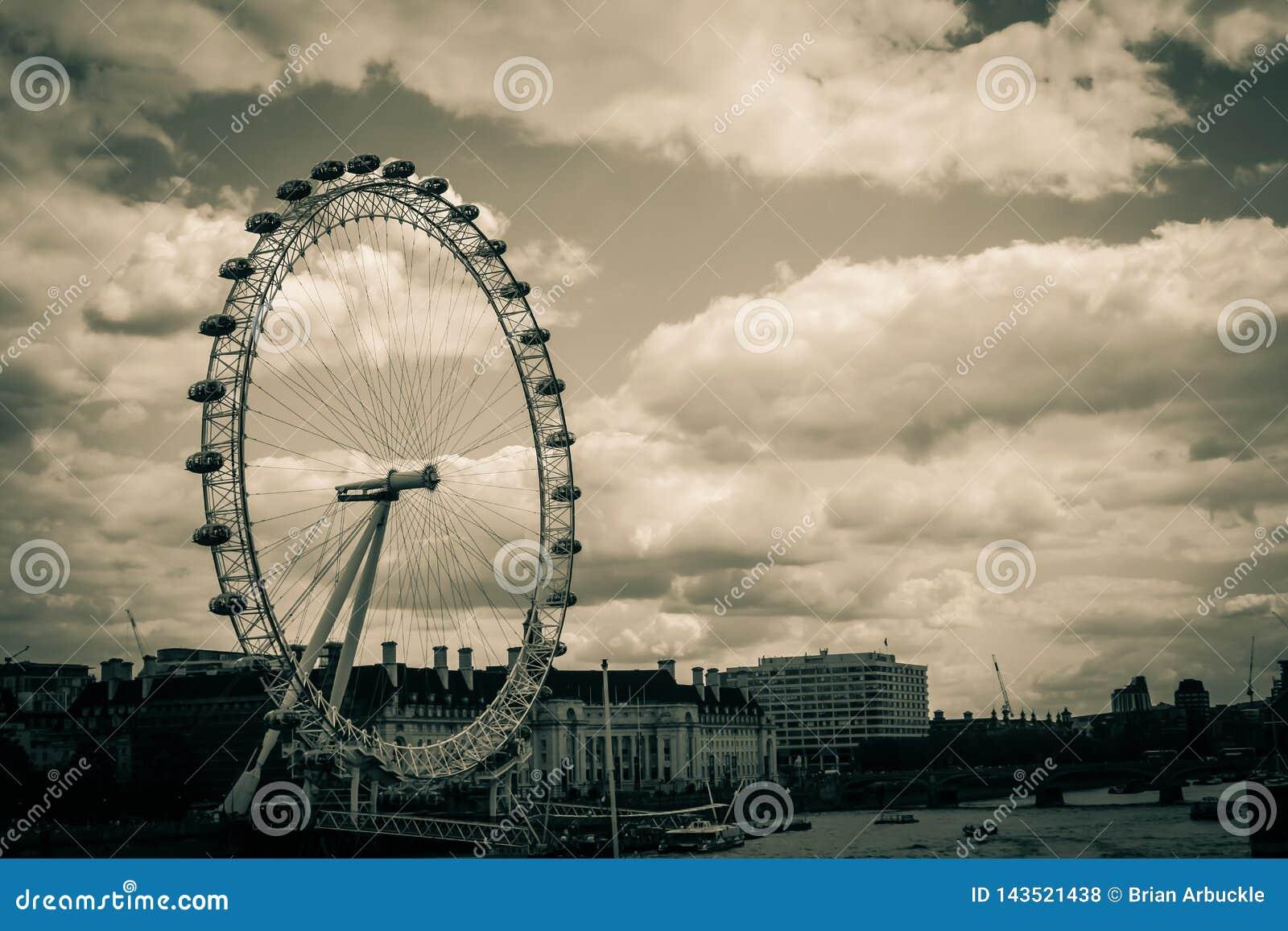 Het Oog van Londen van een Brug