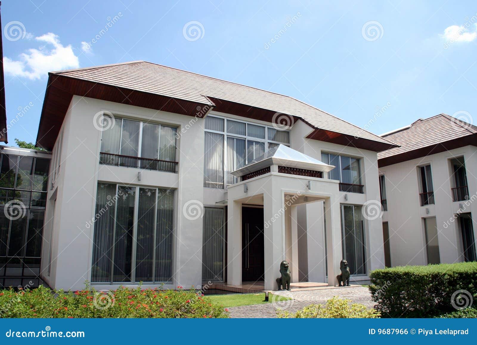 Het oosterse moderne huis van de stijl stock foto afbeelding