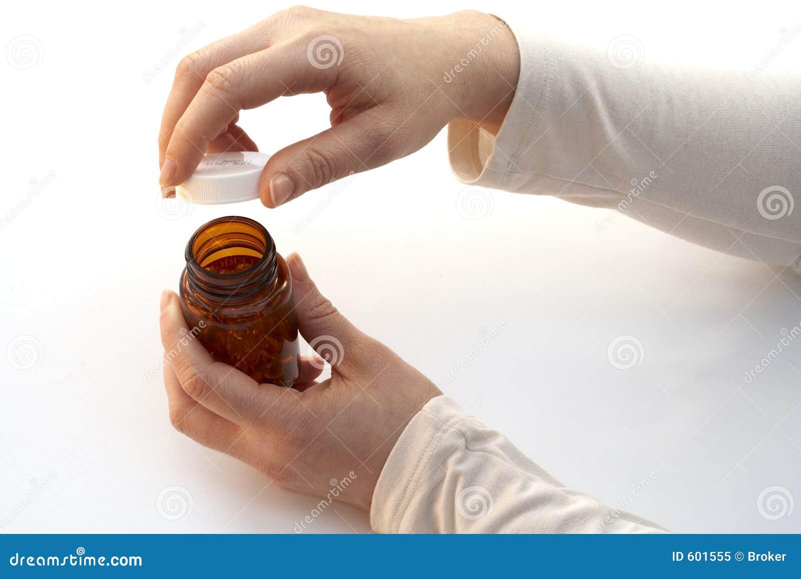 Het openen van een geneeskundefles
