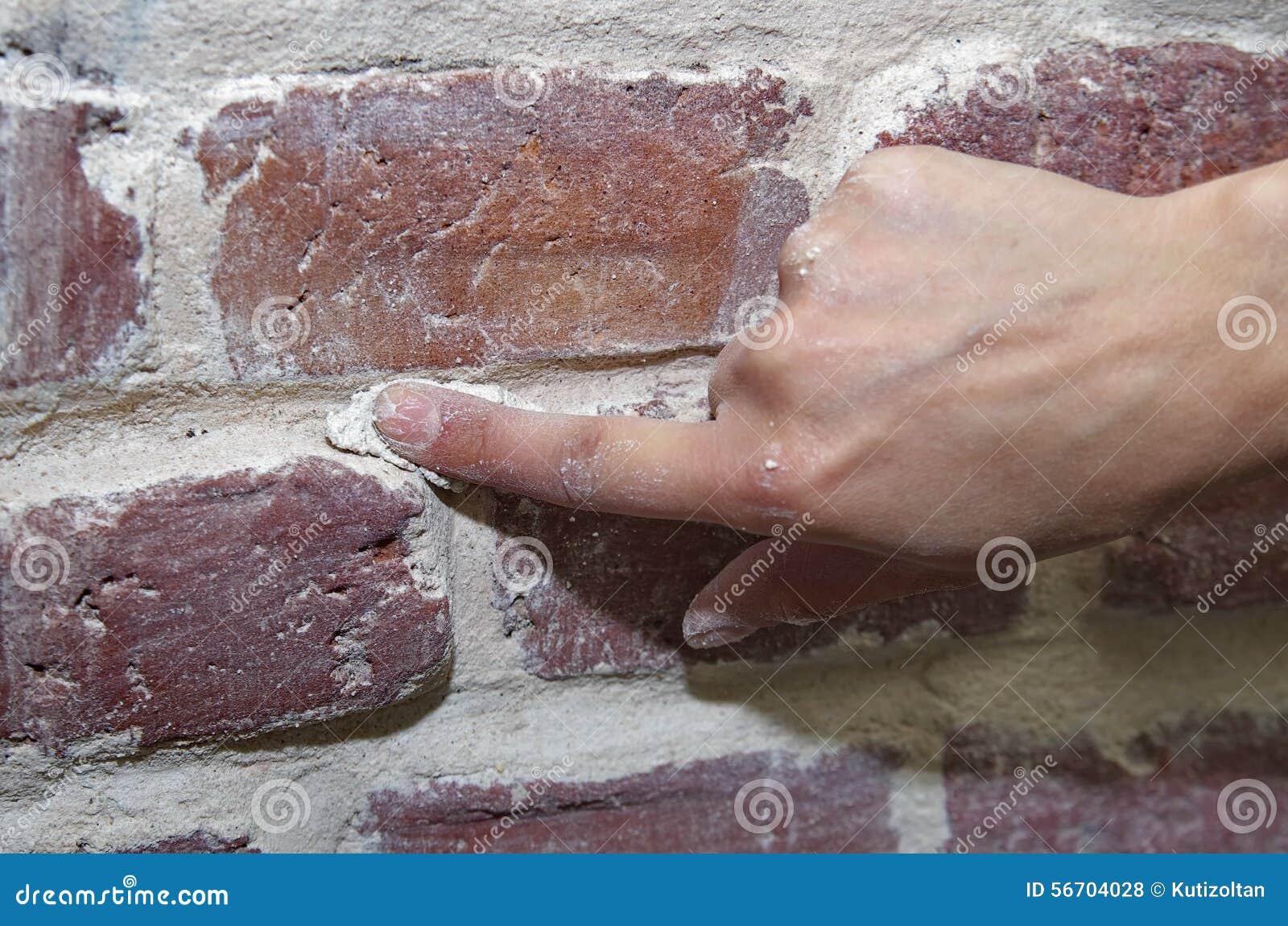 Stenen Muur Vernissen : Het oude bakstenen muur herstellen stock foto afbeelding