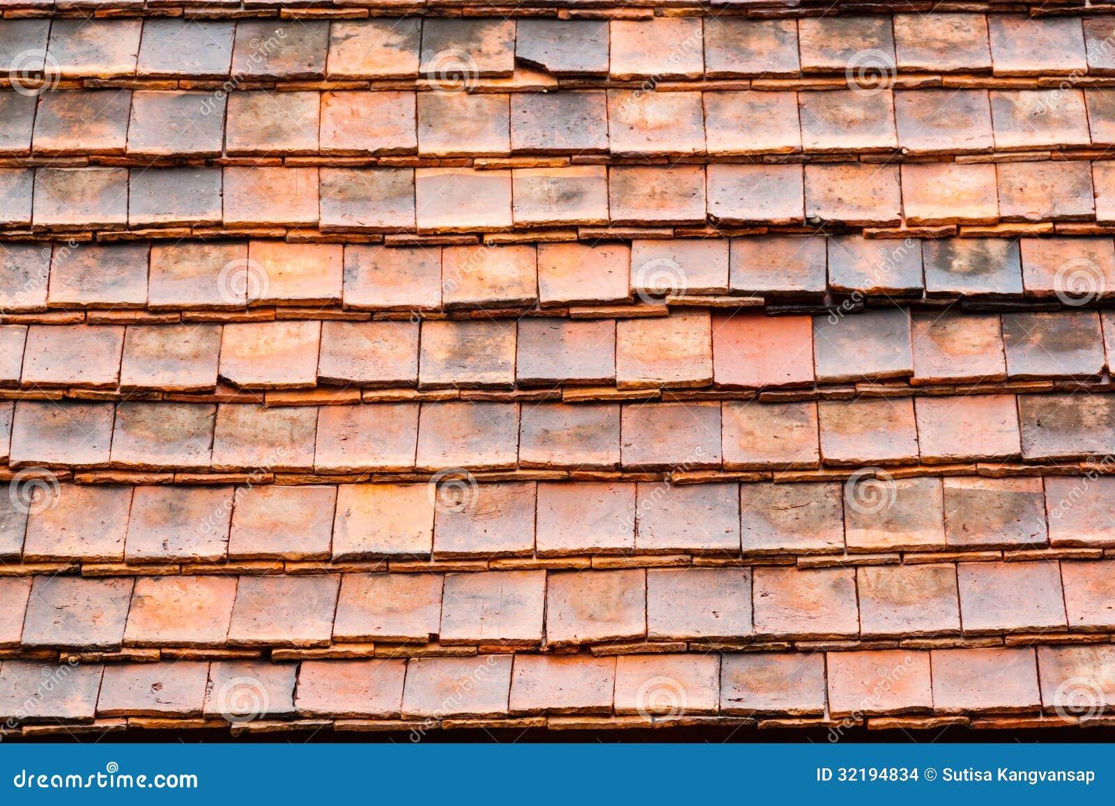 Het oude dak van de stijl rode tegel stock foto afbeelding