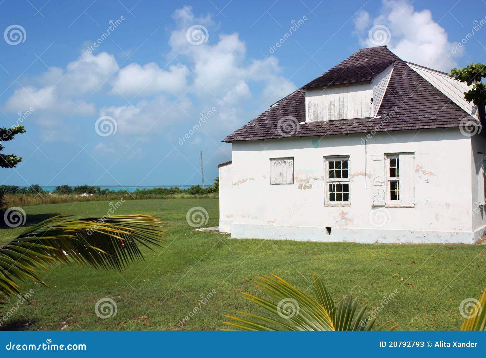 Het oude huis van het strand stock foto 39 s afbeelding 20792793 - Oude huis fotos ...