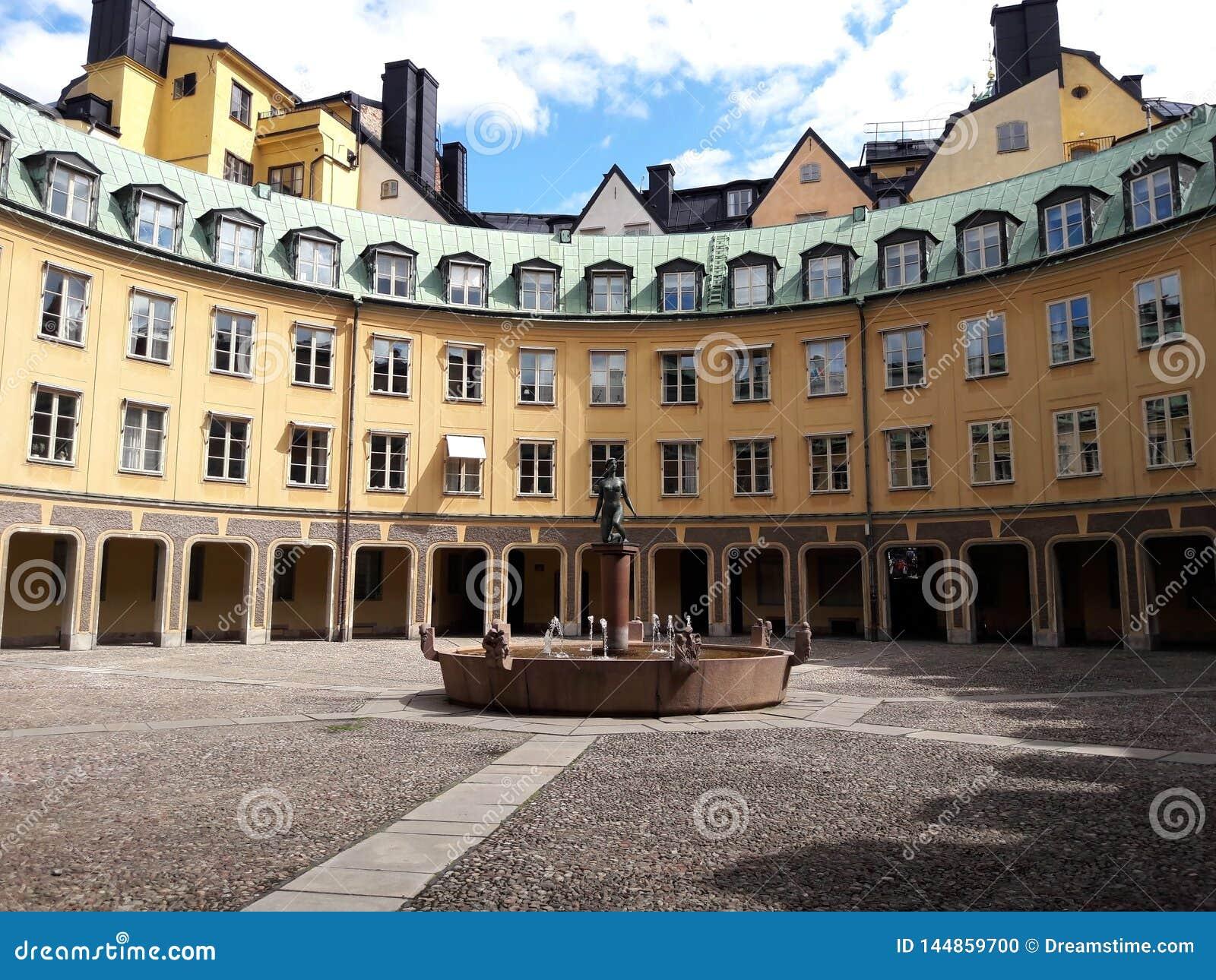 Het oude ronde historische hibuilding in Europese stad, Stockholm, Zweden