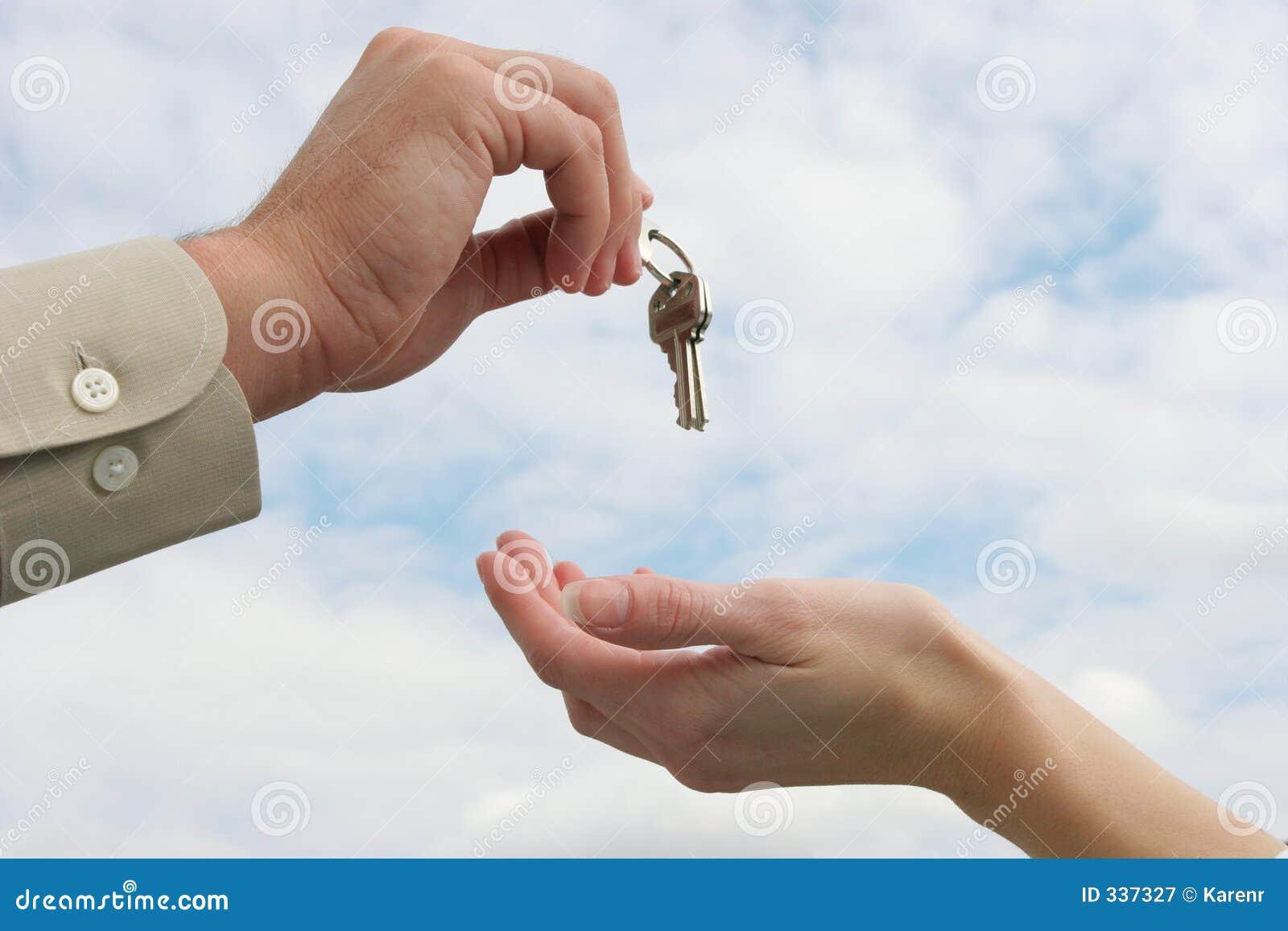 Het overhandigen van de sleutels