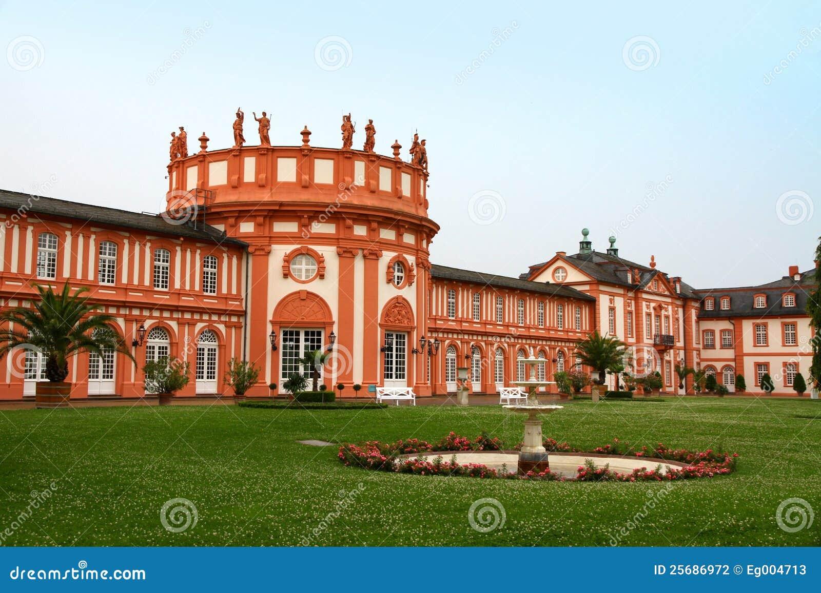 Het Paleis van Biebrich in Wiesbaden