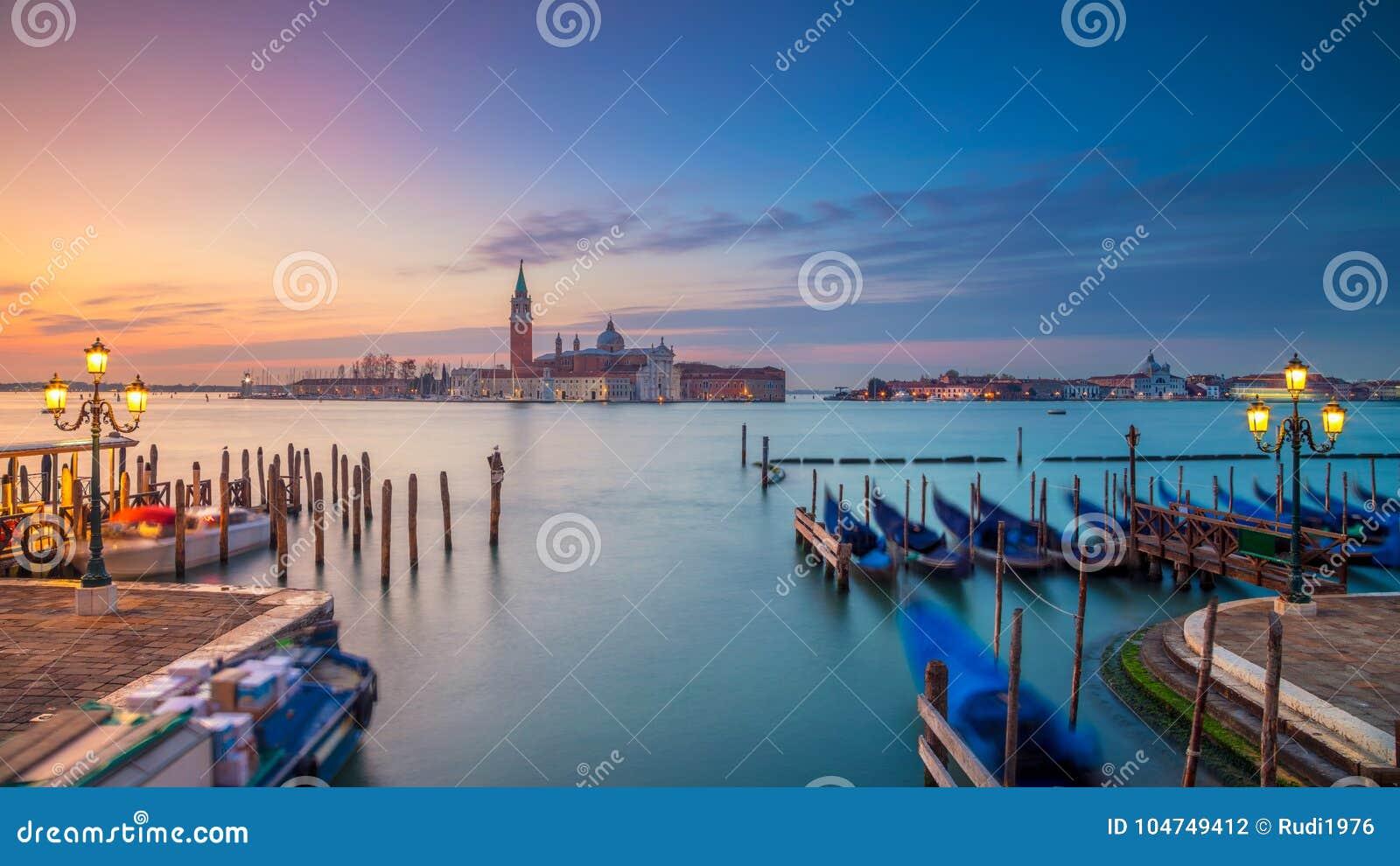 Het panorama van Venetië in de ochtend