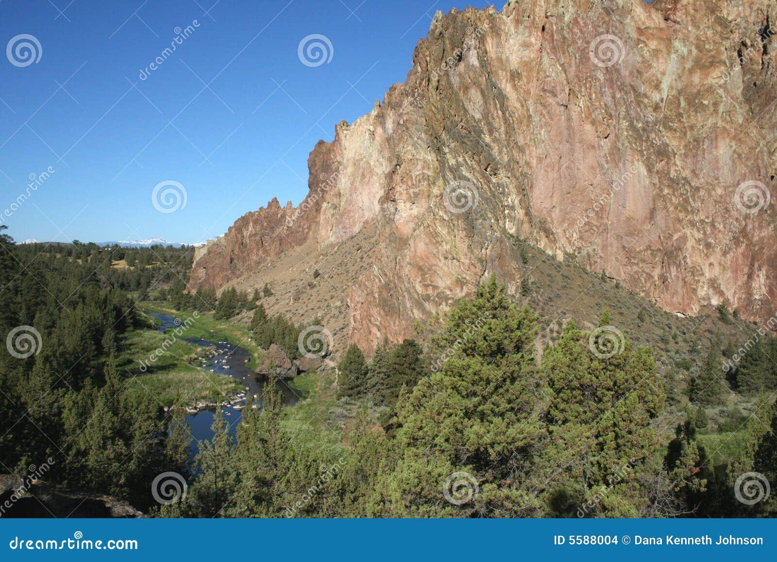 Het Park van de Staat van de Rots van Smith - Terrebonne, Oregon