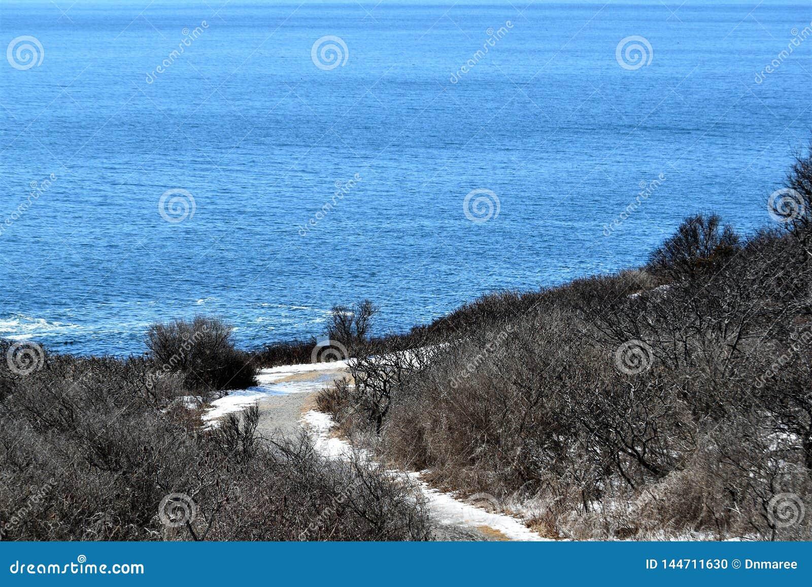 Het Park van de twee Lichtenstaat en omringende oceaanmening over Kaap Elizabeth, de Provincie van Cumberland, Maine, ME, Verenig