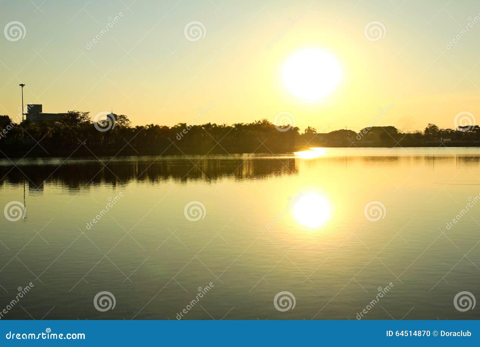 Het park van grote provincies is beroemd bij zonsondergang