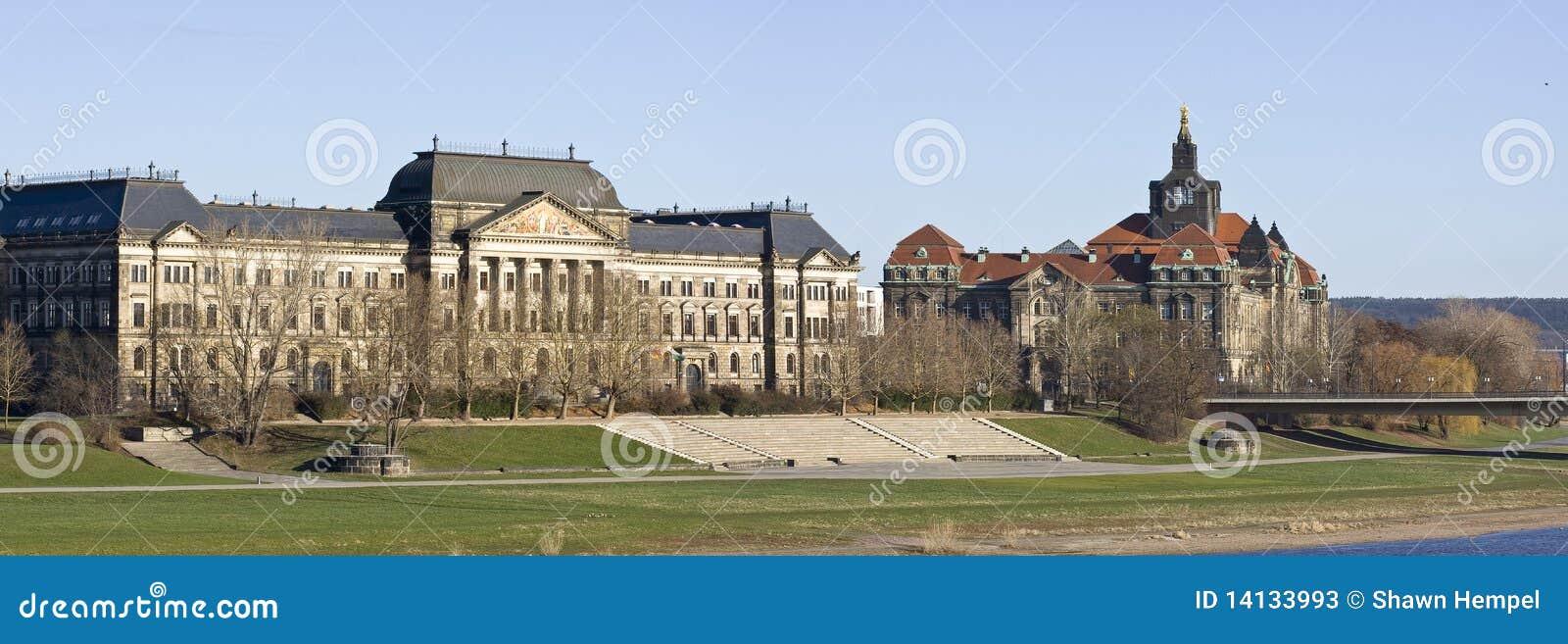 Het parlement van saksen stock foto 39 s afbeelding 14133993 - Het upgraden van m ...