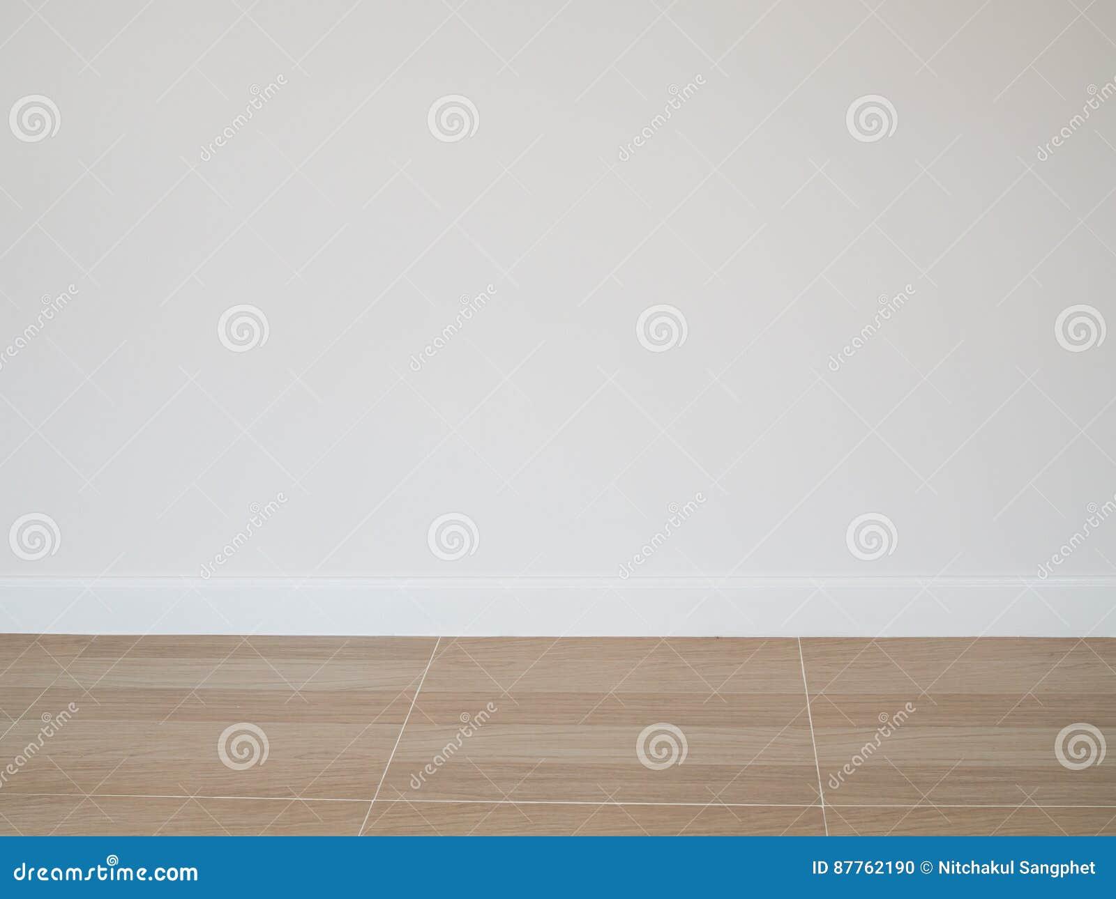 Houten Vloer Tegels : Tegels die er uit zien als een houten vloer badkamer