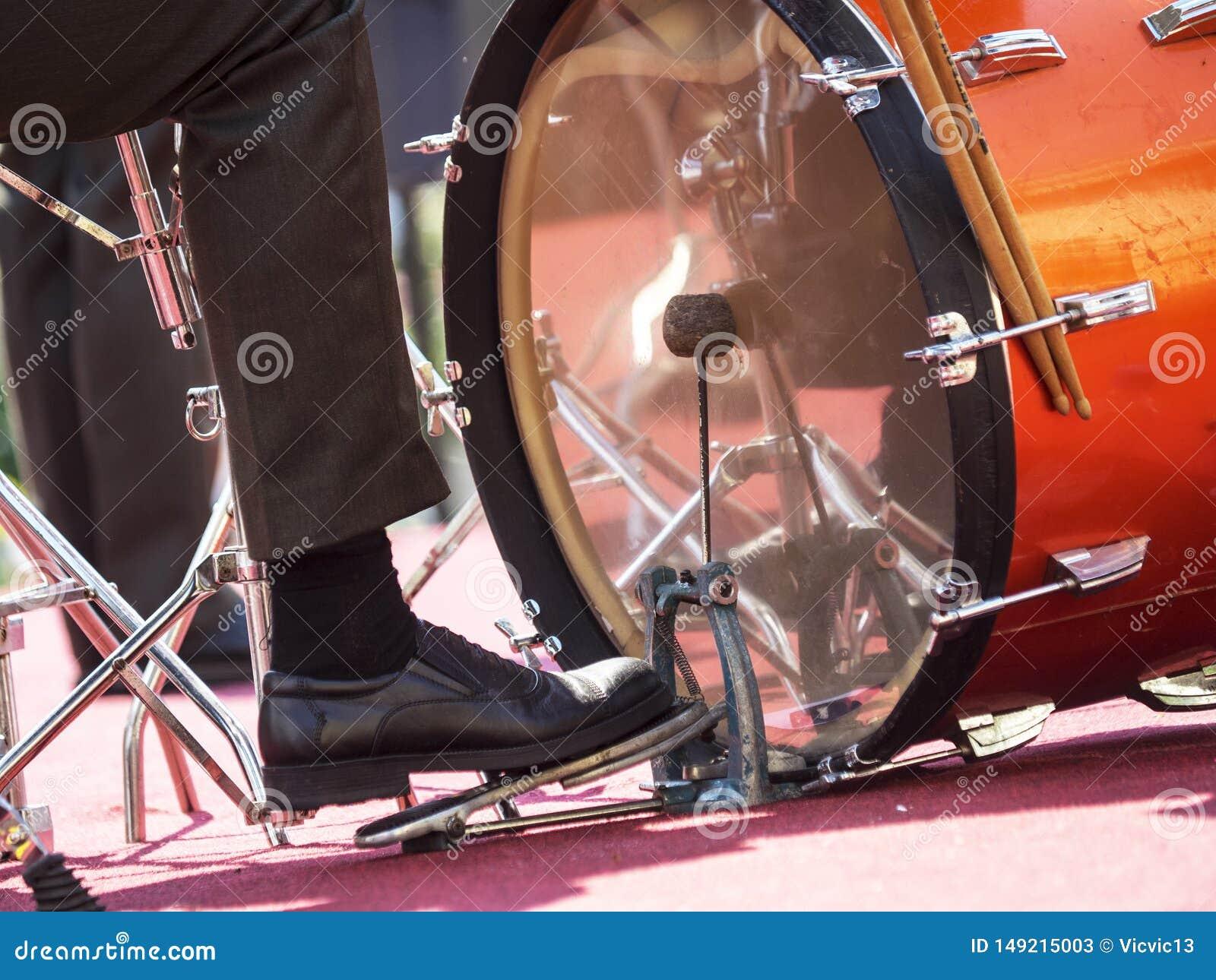 Het pedaal van de trommelslagwerker