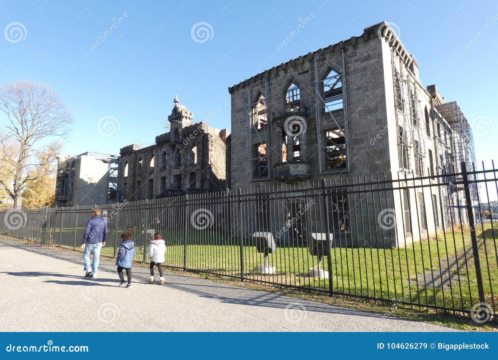 Download Het pokkenziekenhuis redactionele stock afbeelding. Afbeelding bestaande uit gebouwen - 104626279