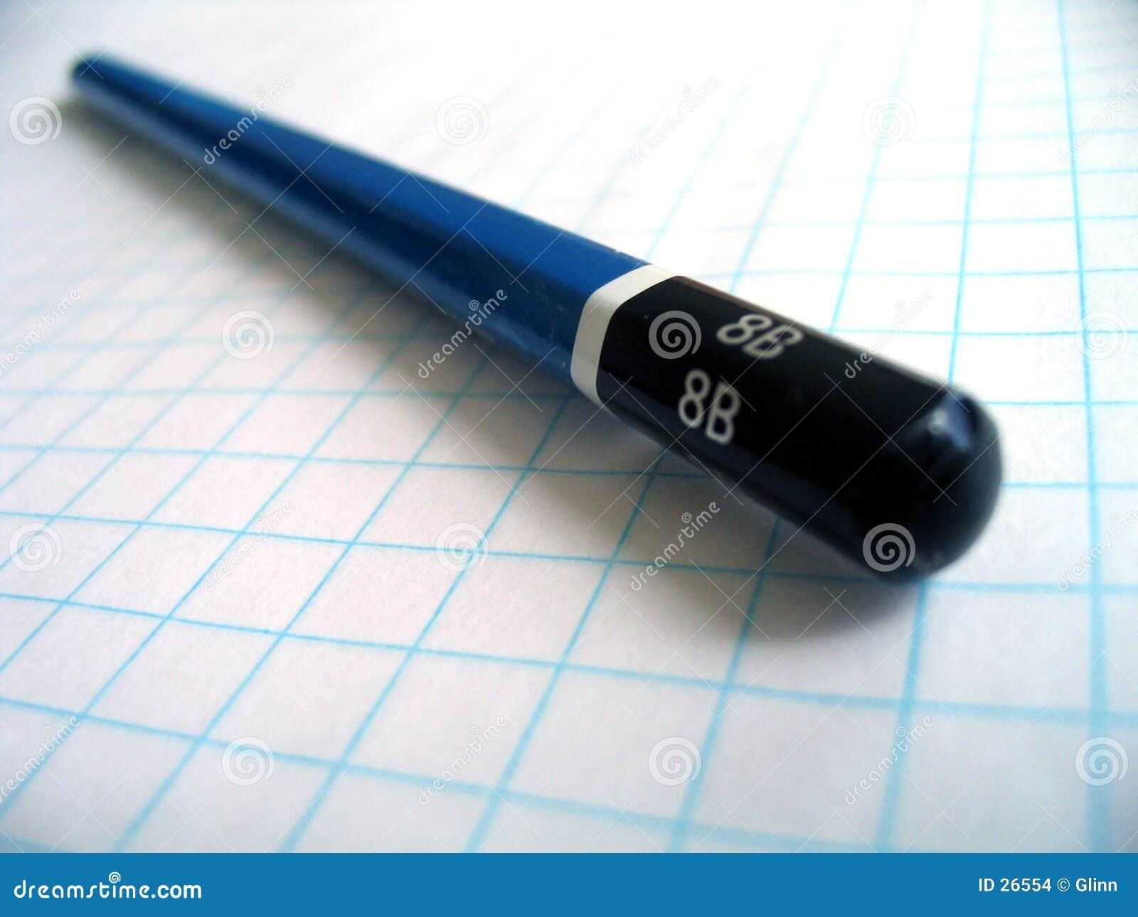 Het potlood van de tekening op millimeterpapier