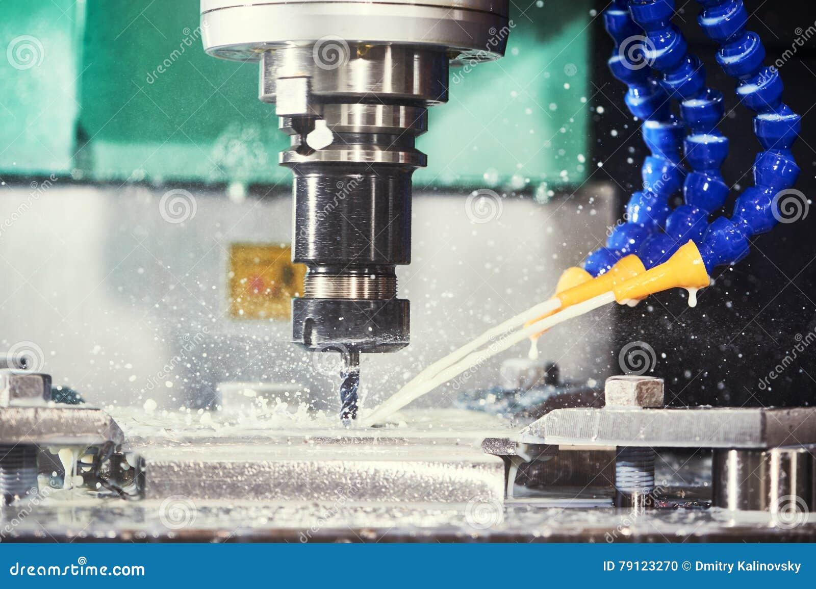Het proces van de malenmetaalbewerking CNC metaal die door verticale molen machinaal bewerken