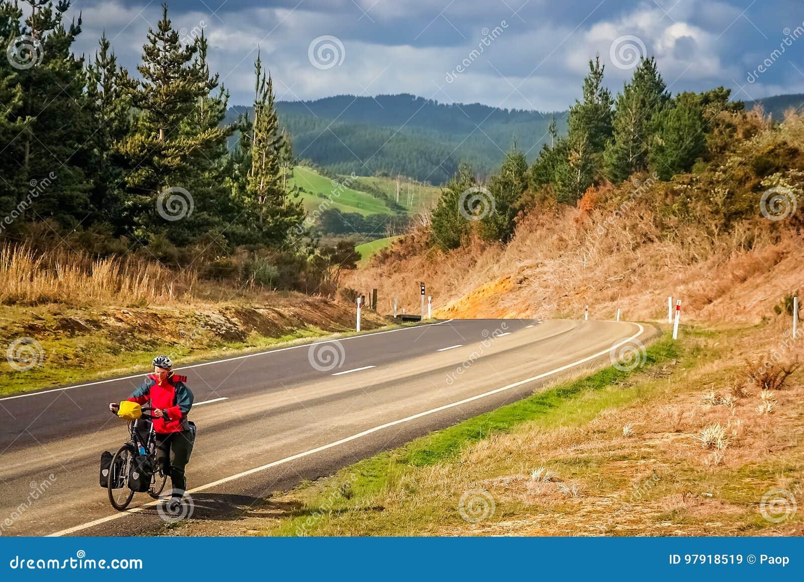 Het reizen van de cyclus in Nieuw Zeeland