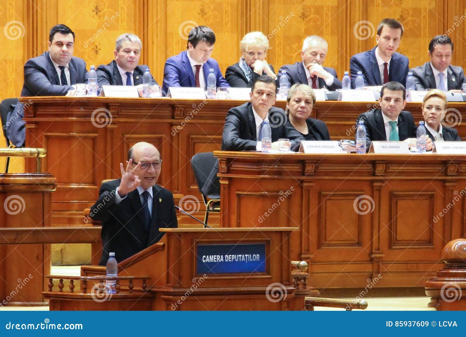Het Roemeense Parlement - Motie van geen vertrouwen tegen Govern