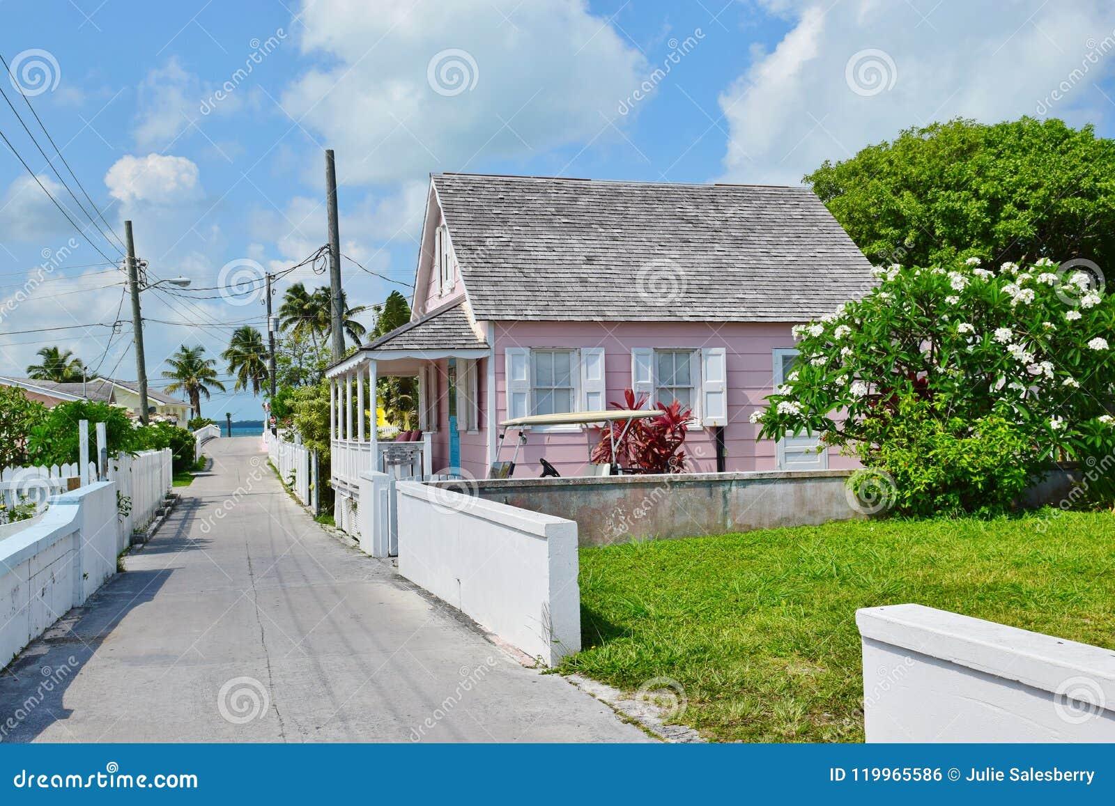 Het Roze Huis van de binnenstad op Groene Schildpadcay in de Bahamas