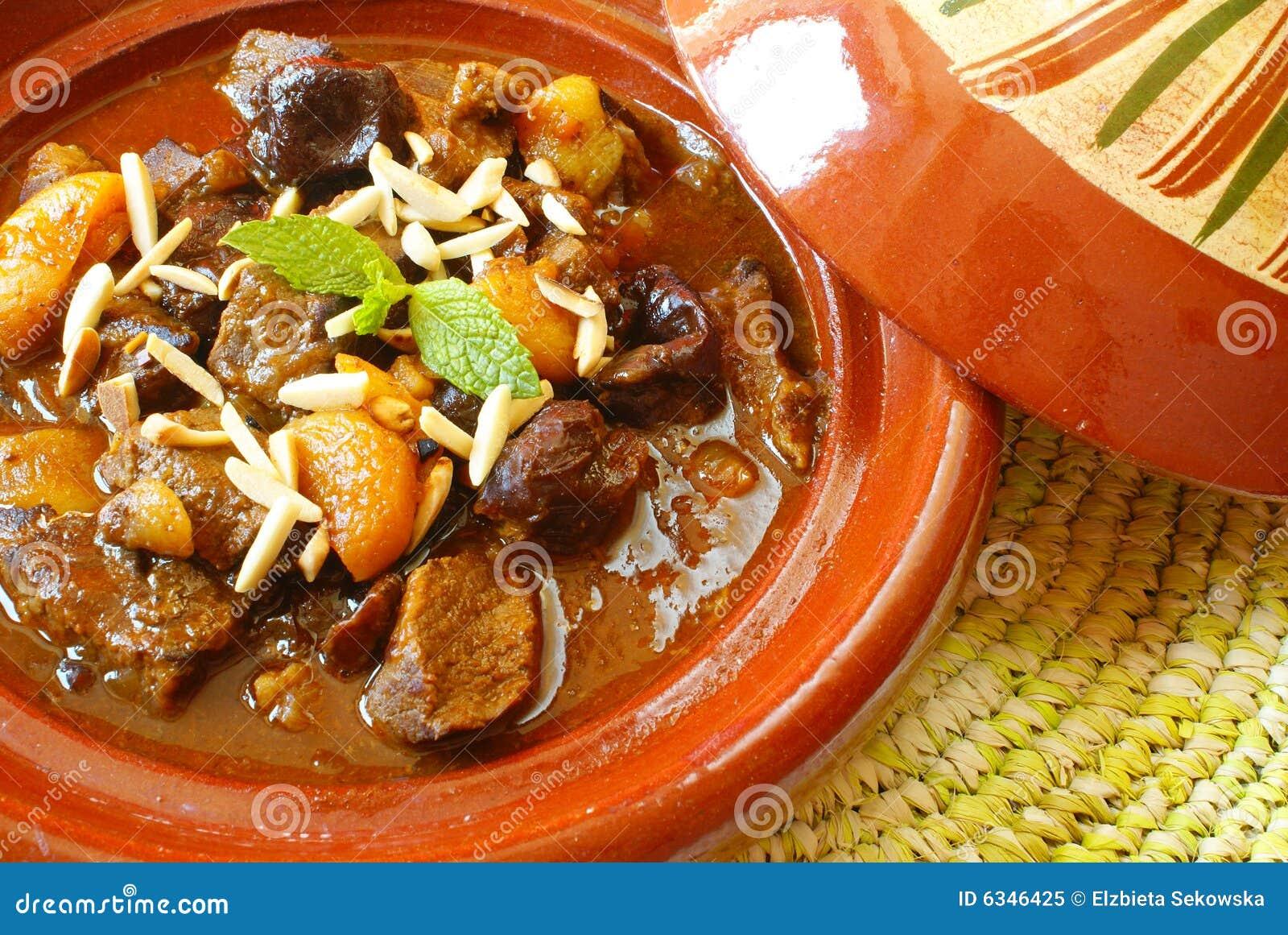 Het rundvleeshutspot van Morrocan met pruimen en droge abrikozen