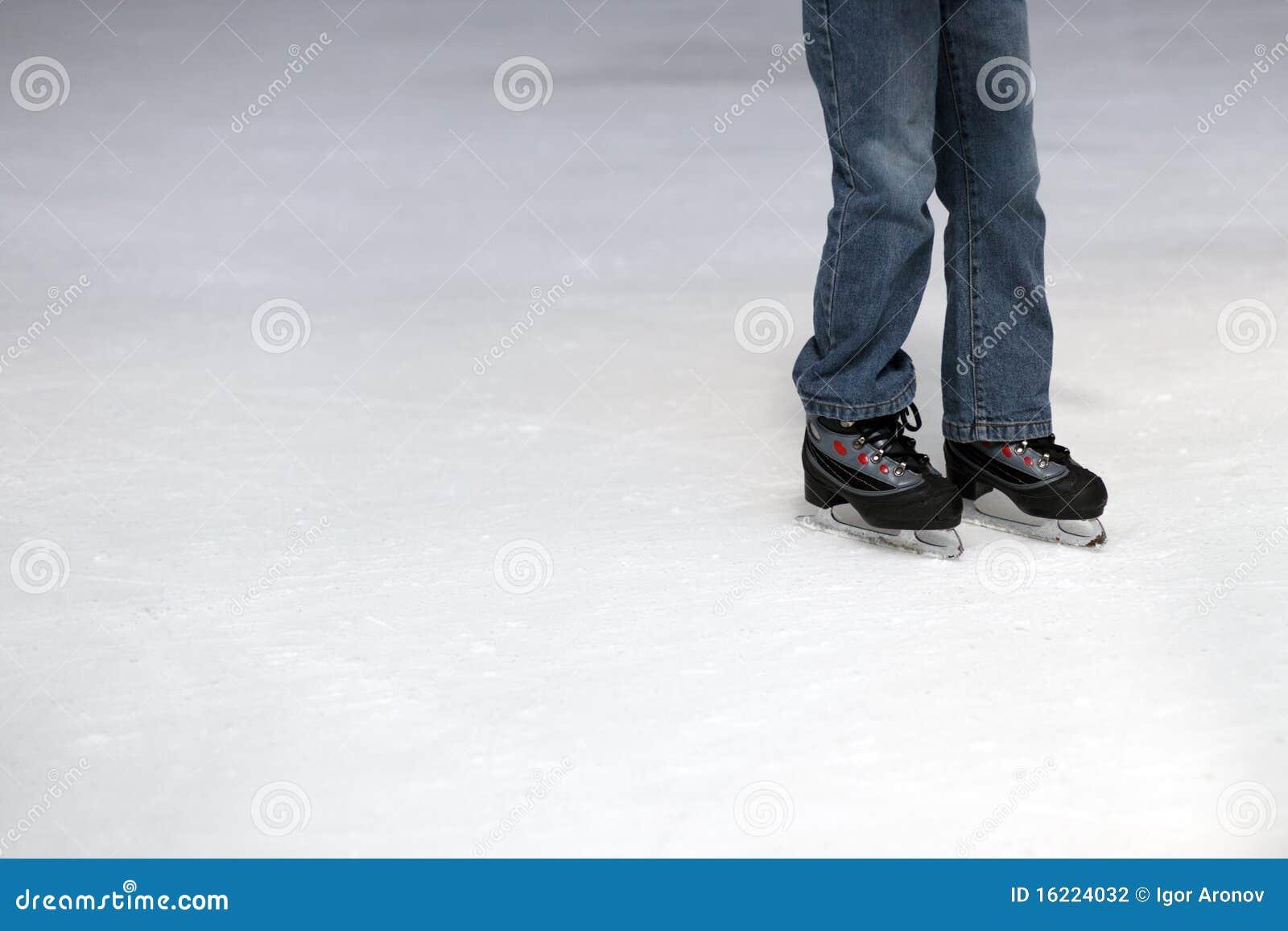 Het schaatsende kind van het ijs