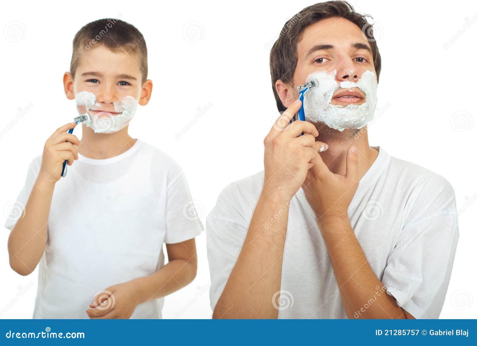 Het scheren van de vader en van de zoon