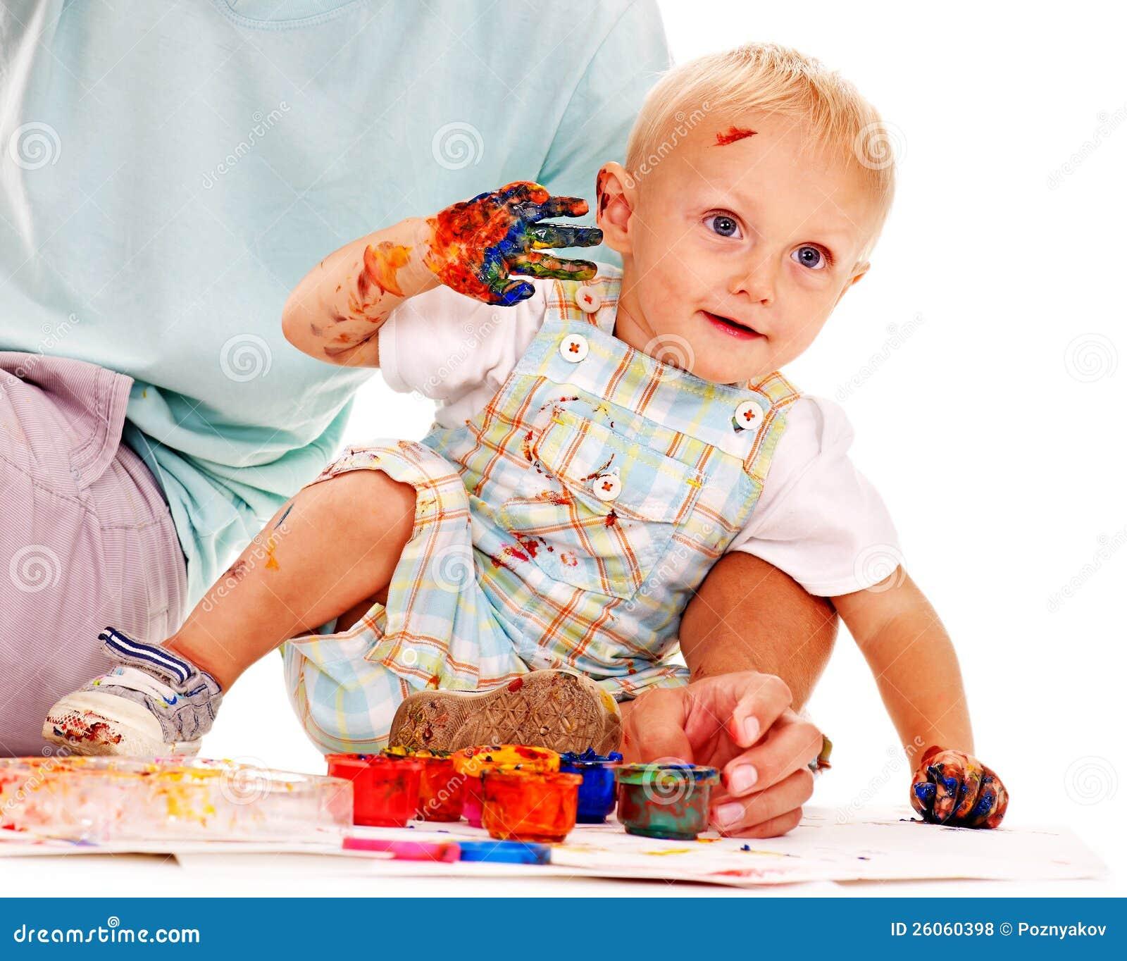 Het schilderen van het kind door vingerverf royalty vrije stock foto 39 s afbeelding 26060398 - Schilderen kind jongen ...
