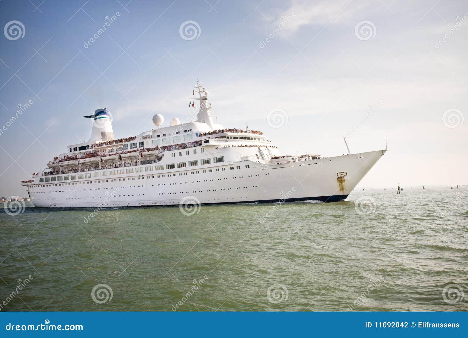 Het schip van de cruise
