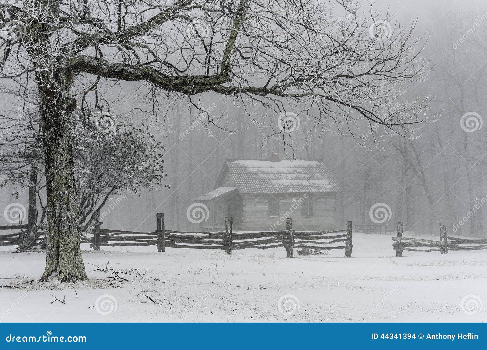 Het schoolgebouw van de borstelberg, de winter, het Nationale Park van Cumberland Gap