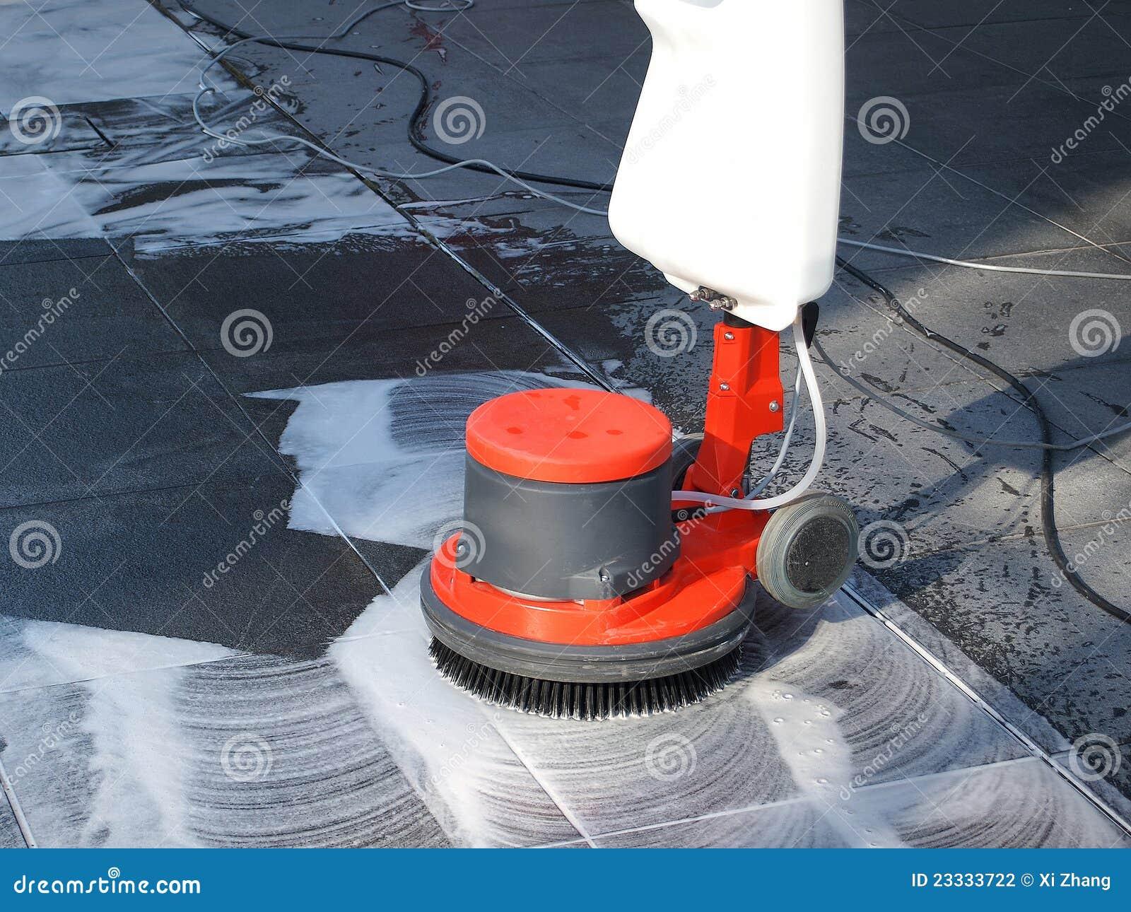 Het schoonmaken van de vloer