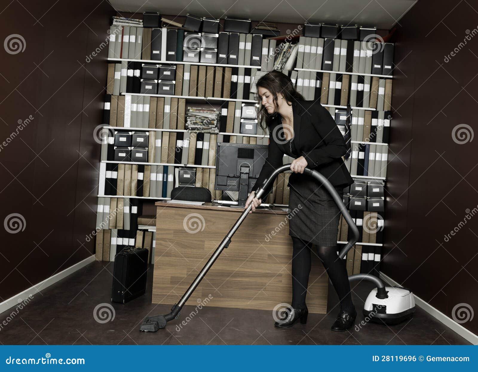 Het schoonmaken van het bureau