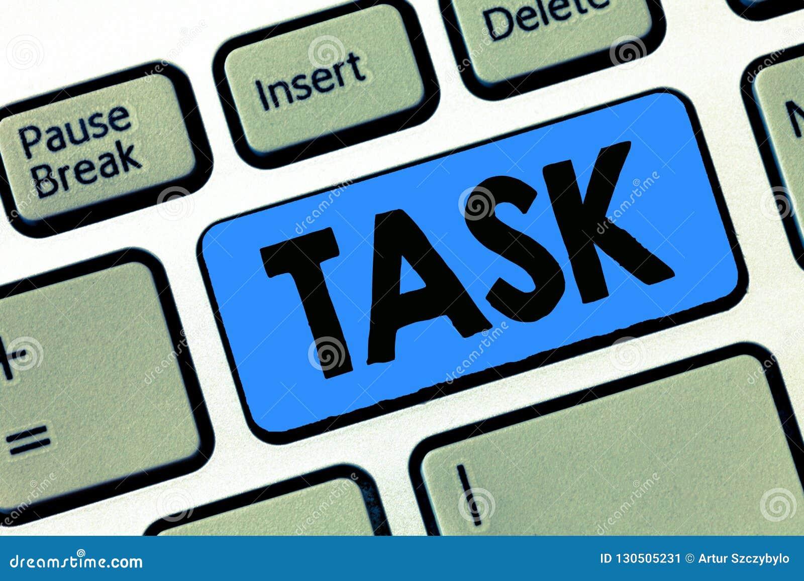 Het schrijven nota die Taak tonen Bedrijfsfoto die a-te doen en te ondernemen werkstuk demonstreren Activiteitenbehoefte te prest