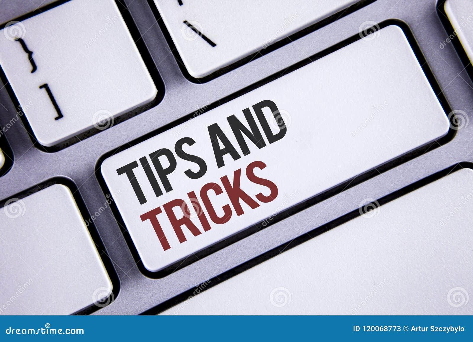Het schrijven nota die Uiteinden en Trucs tonen Bedrijfsfoto demonstratiesuggesties om tot dingen gemakkelijkere Nuttige Adviezen