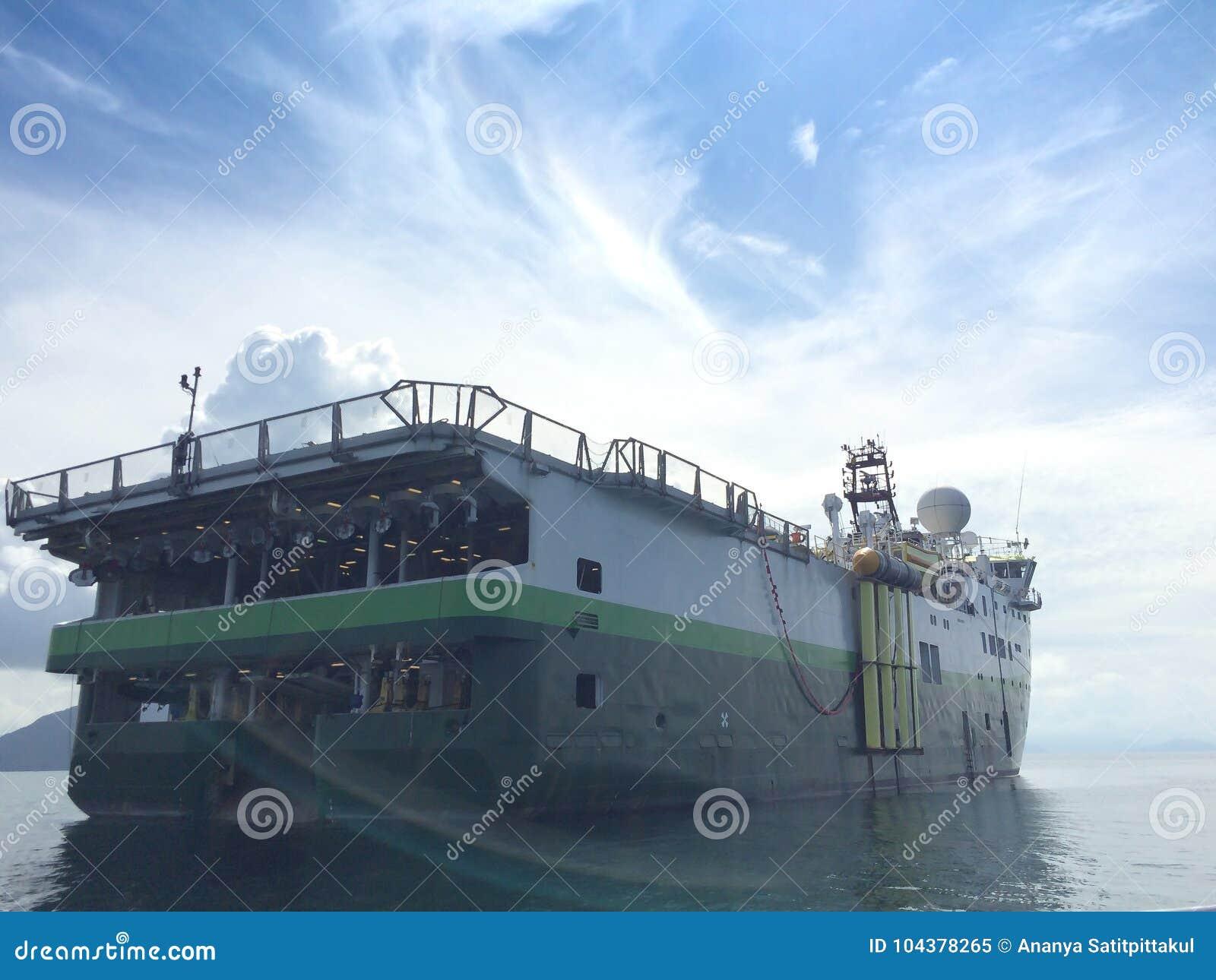 Het seismische onderzoek van het schipschip voor olie en gasexploratie in Andaman-Overzees zeemyanmar