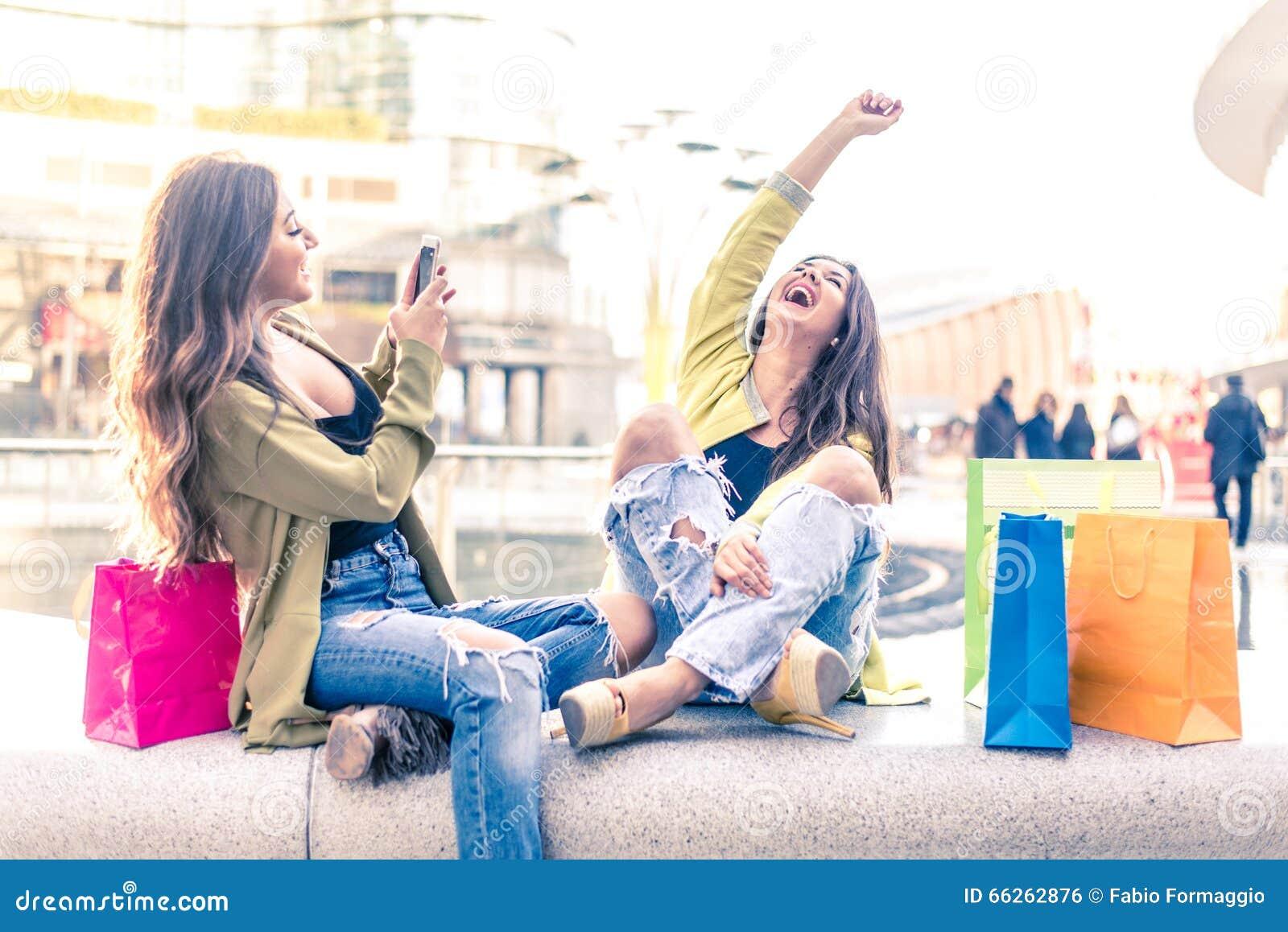 Het shoping van meisjes