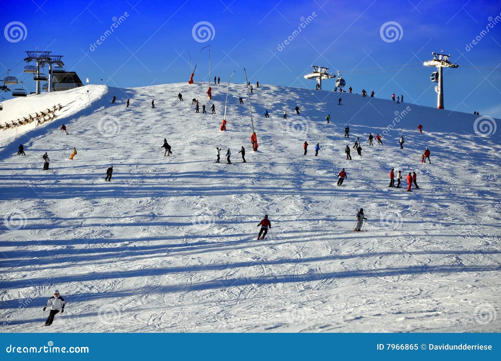 Het skiån helling.