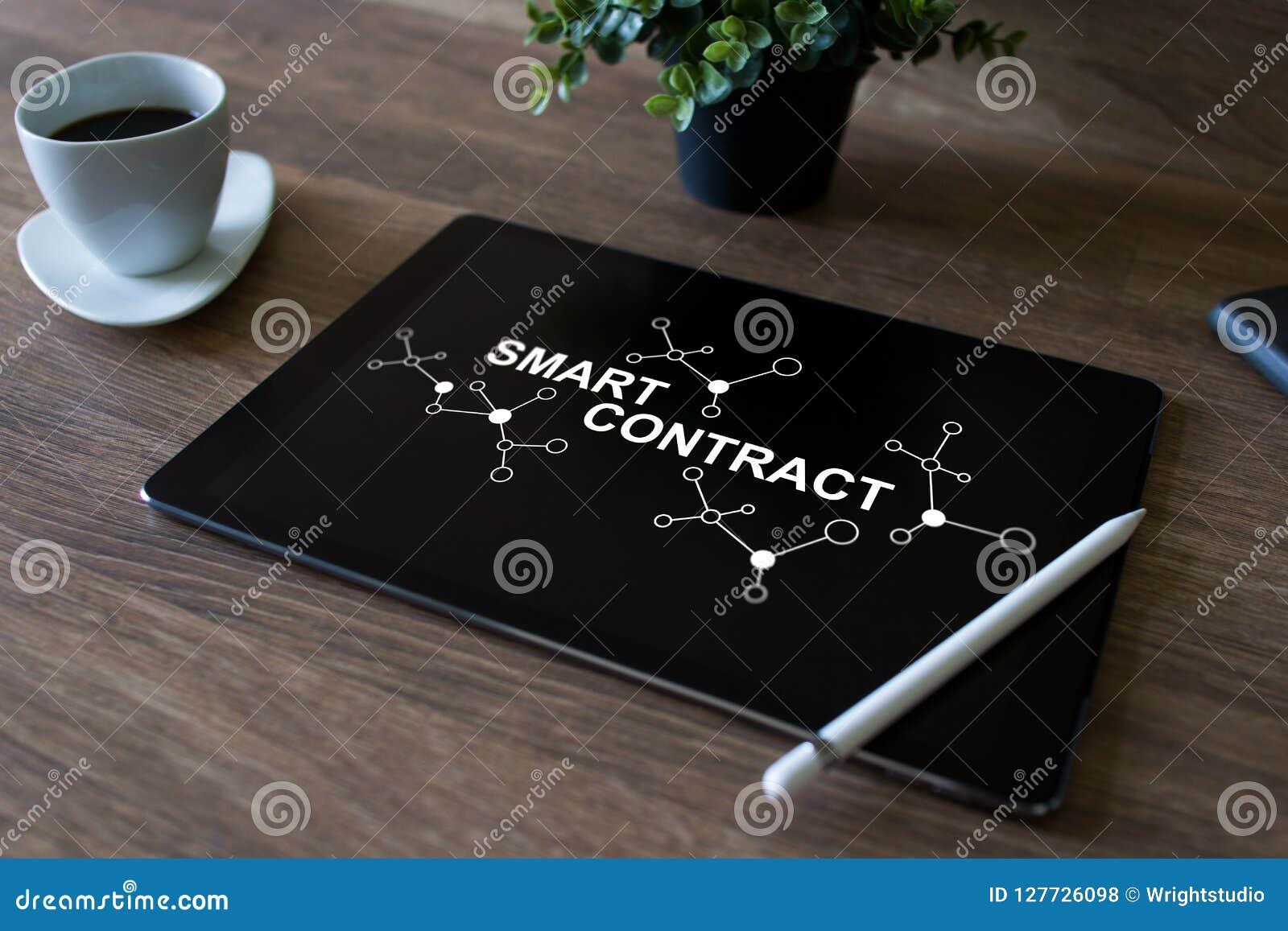 Het slimme concept van de contract blockchain gebaseerde technologie op het scherm Cryptocurrency, Bitcoin en ethereum