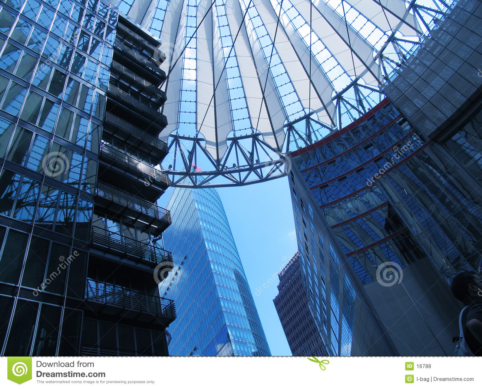 Het spel van gebouwen op het centrum van Sony, Berlijn