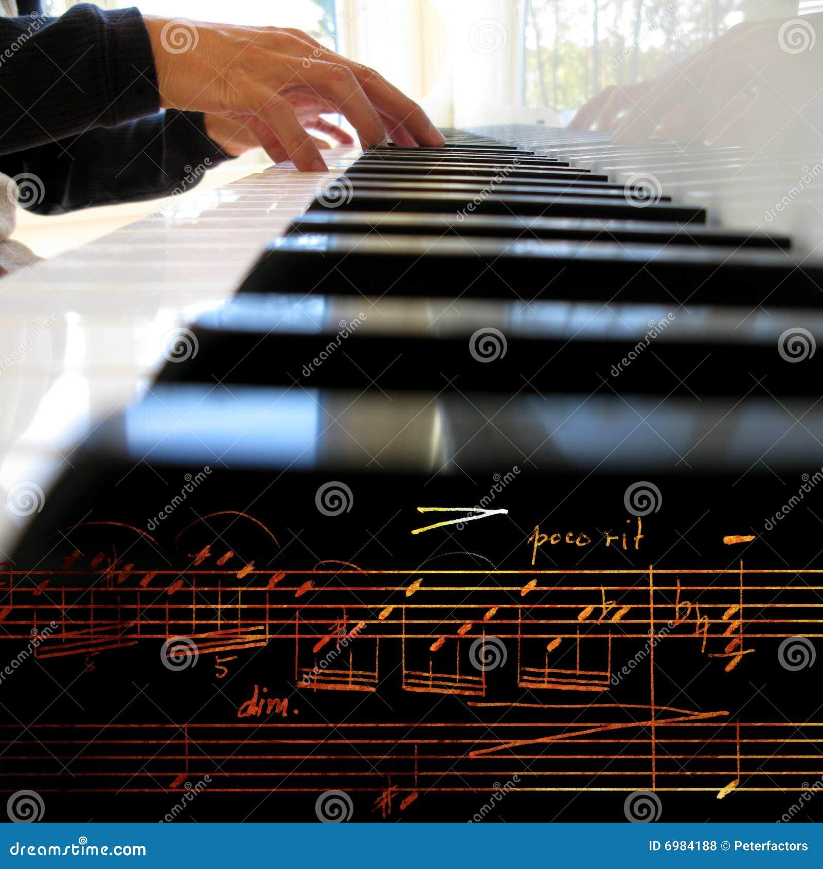 Het spelen piano