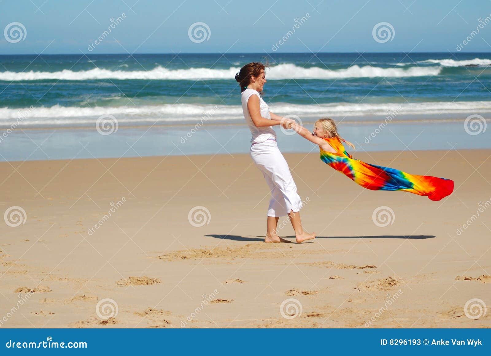 Het spelen van de moeder en van de dochter