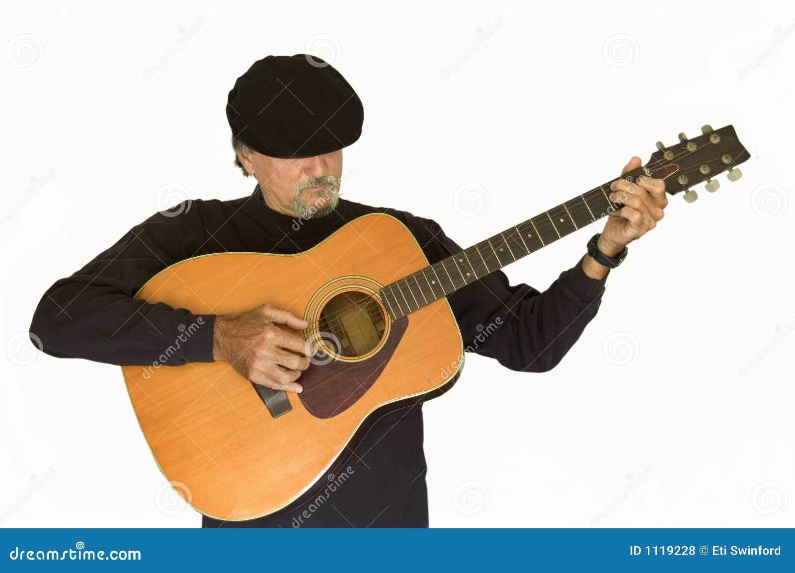 Het spelen van de musicus gitaar