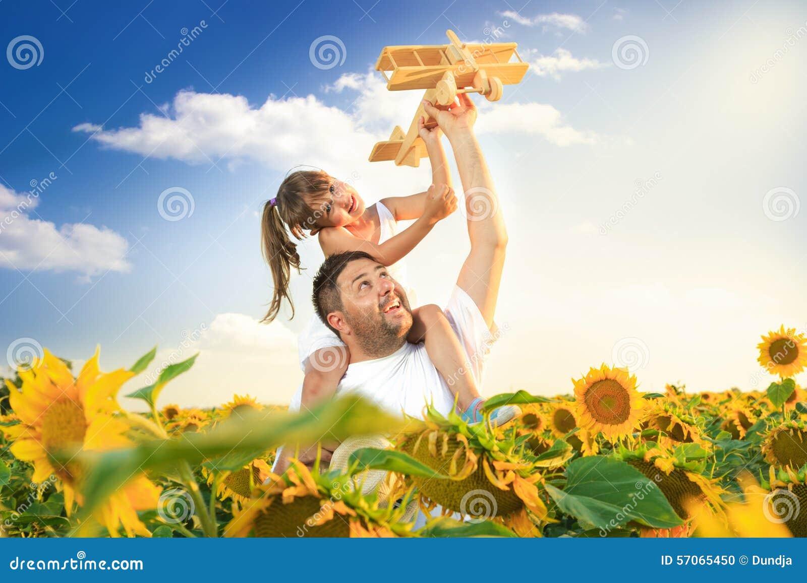 Het spelen van de vader en van de dochter