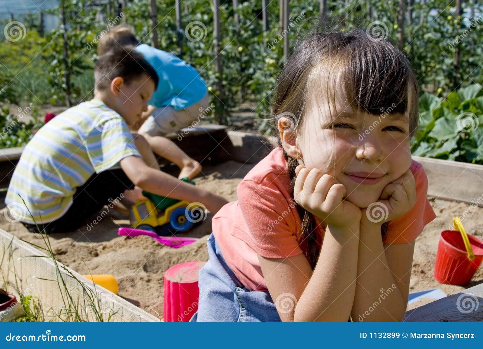 Het spelen van kinderen