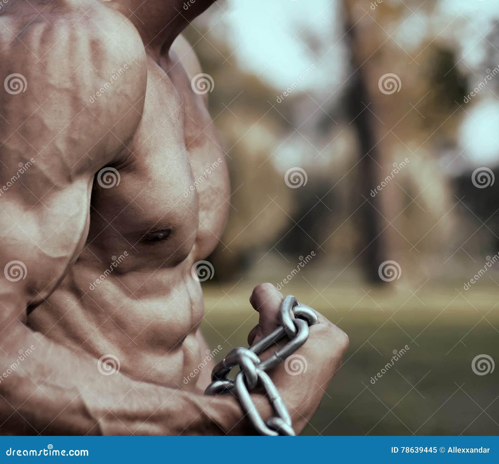 Het sterke Atletische tonen van Torso van de Mensengeschiktheid Model Spier sexy kerel
