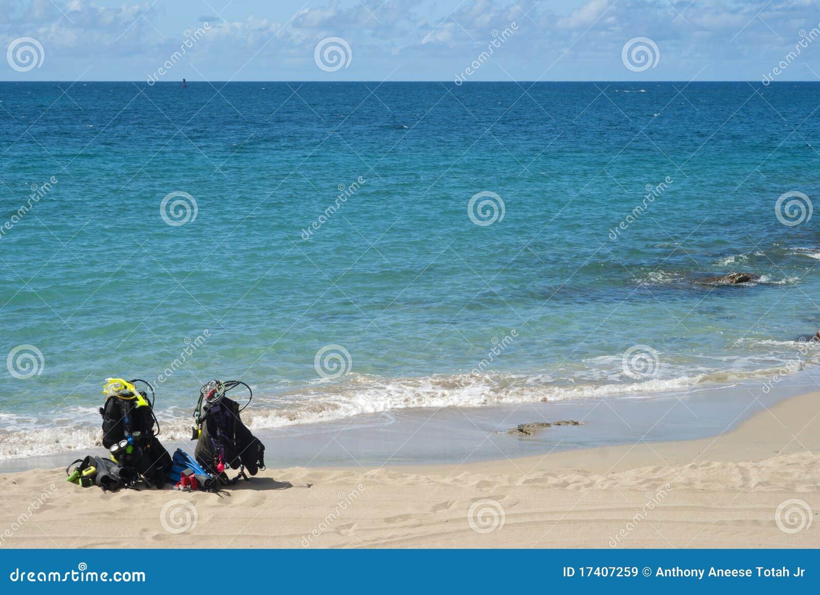 Het strand duikt