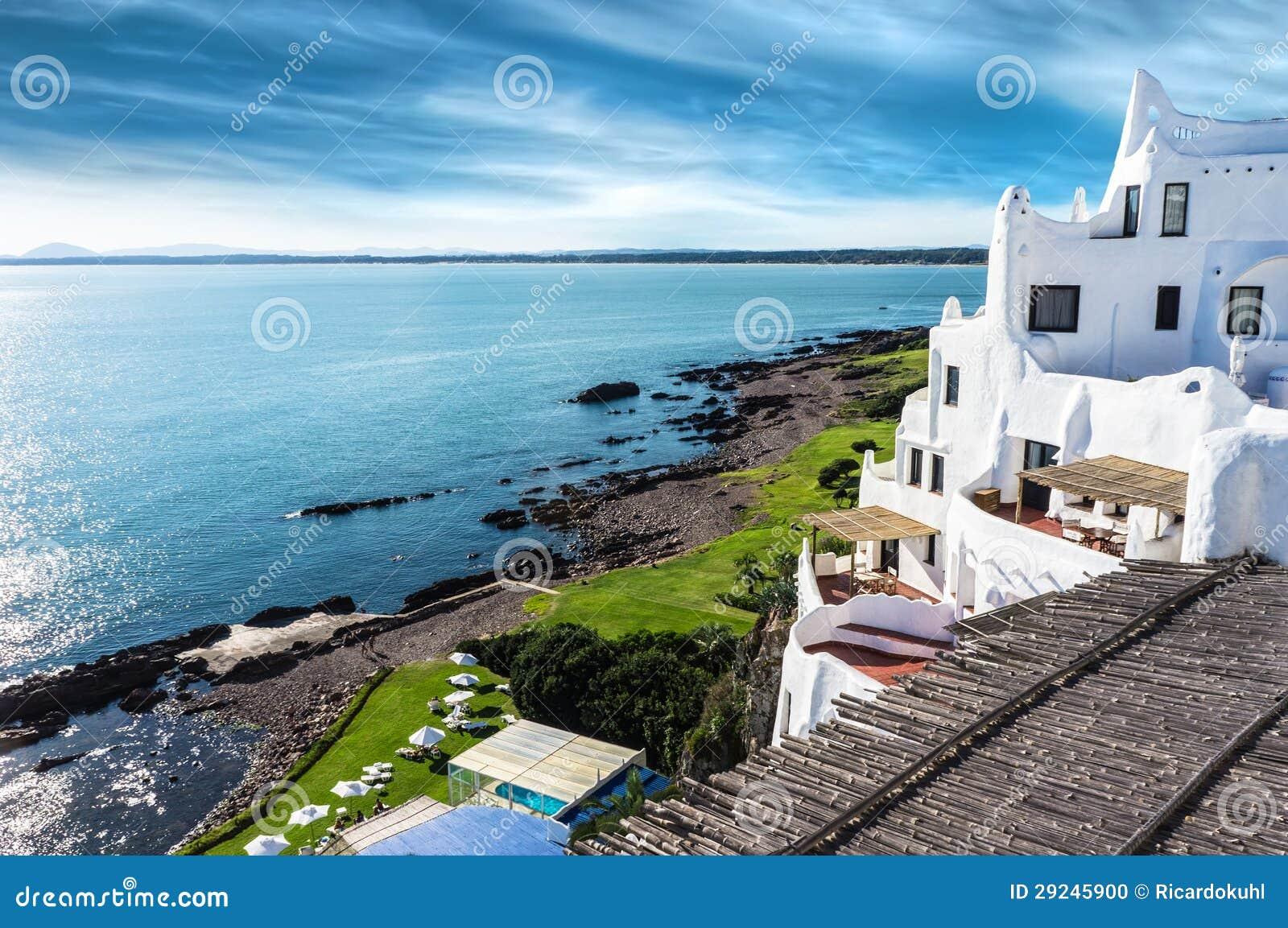 Het Strand Uruguay van Punta del Este van Casapueblo
