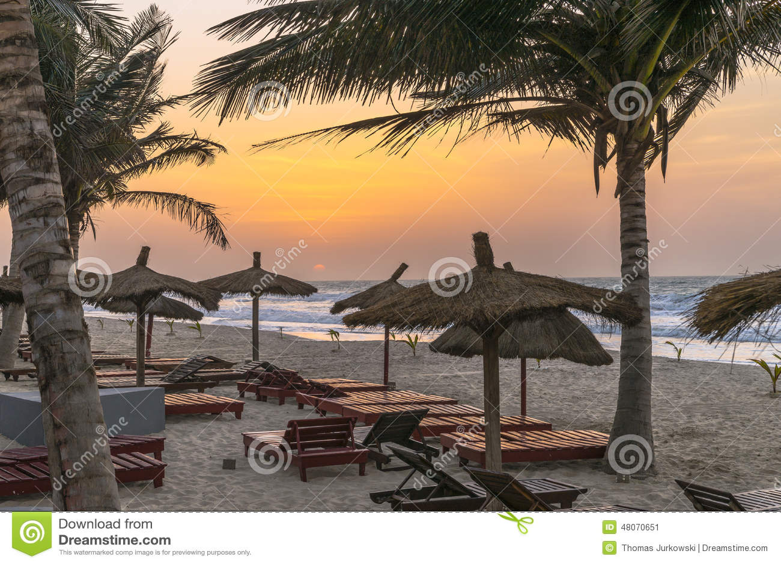 Het strand van Gambia