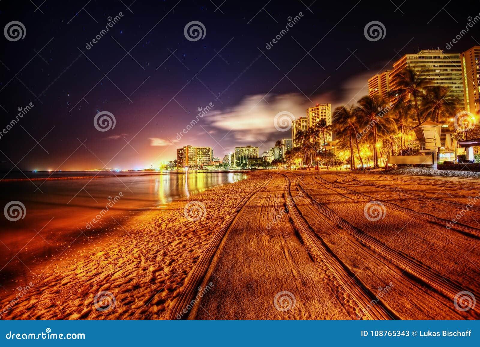 Het strand van Hawaï