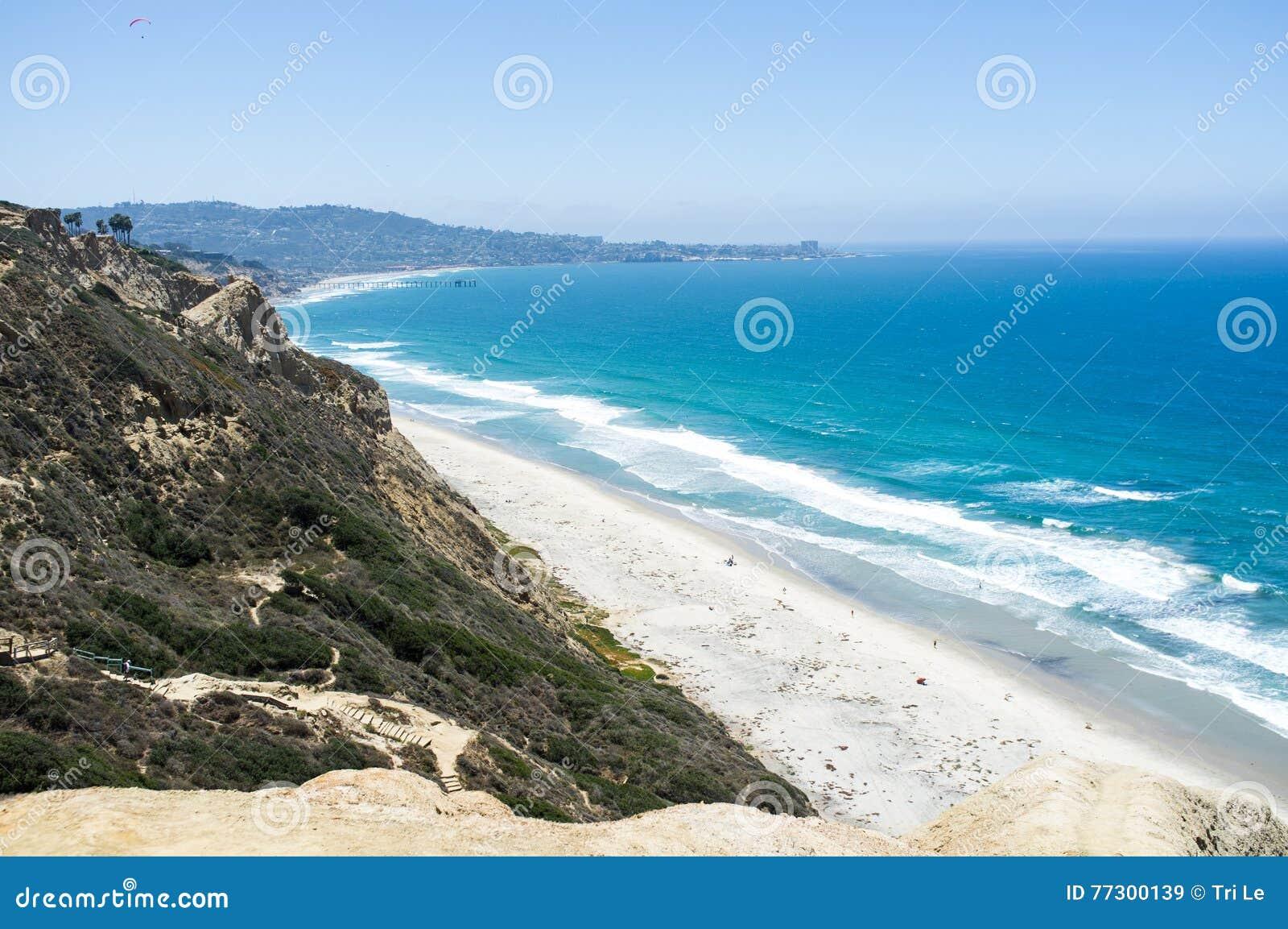 Het strand van San Diego langs kustlijn - Torrey Pines gliderport