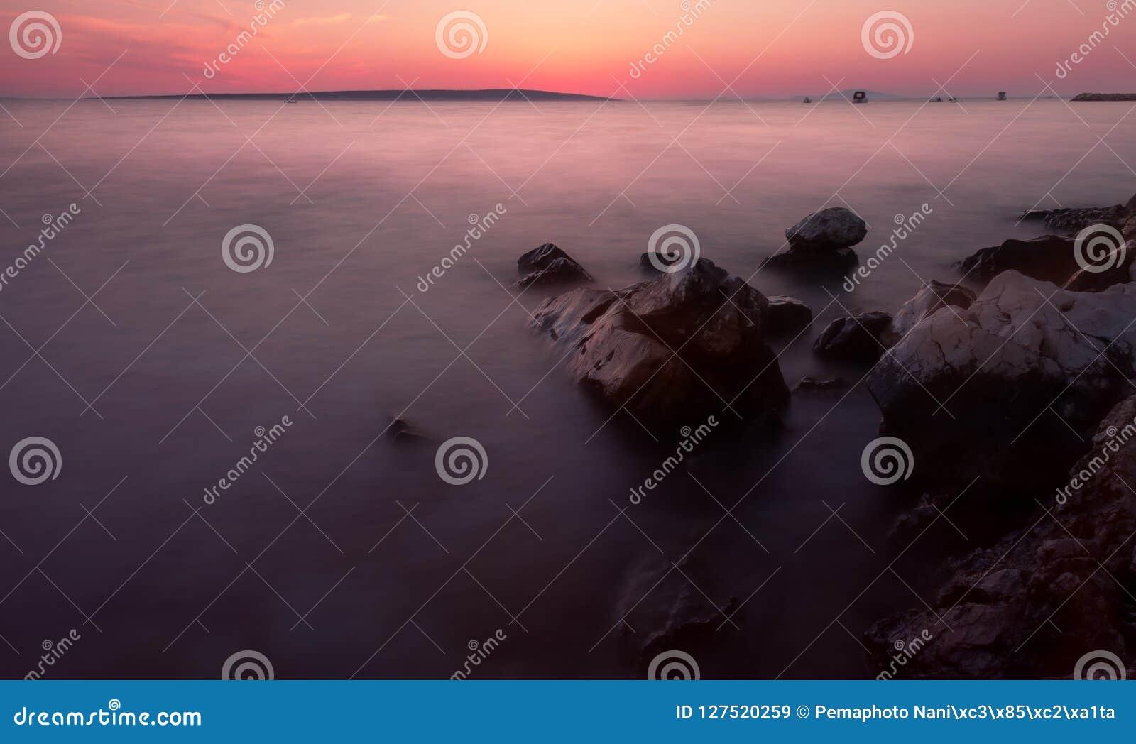 Het Strand van zonsopgangkroatië met Pastelkleuren